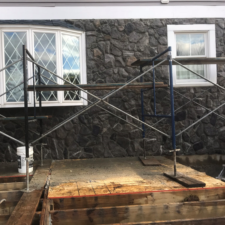 Side of house stone veneer in Salem